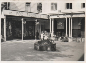 Original photograph of Fox Brothers on the Pantiles 20/11/1960.