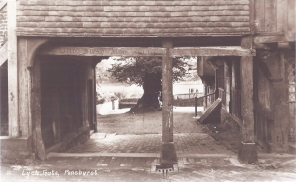 Postcard of the Lynch Gate, Penshurst.