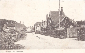 Postcard of Chequers Road, Goudhurst, October 1906.